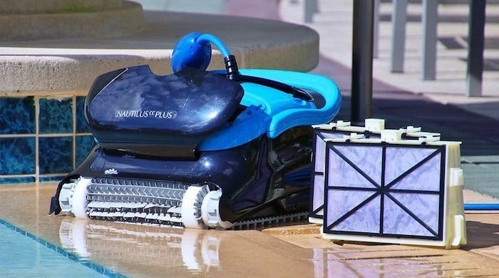 robotic pool cleaner and filter